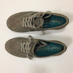 Keds olive green suede canvas lace up sneakers